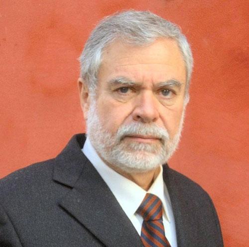 Марио Павези